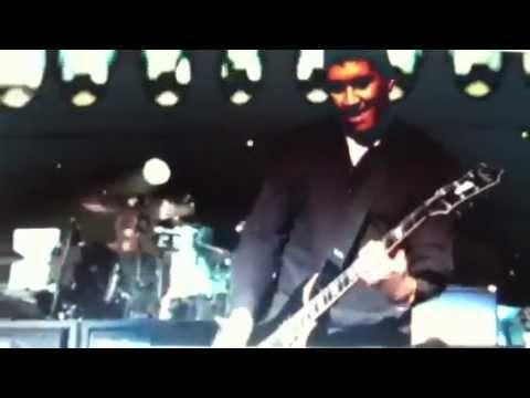 Nirvana reunion with Paul McCartney- Sandy Relief Concert.