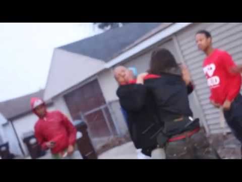 CHIEF KEEF'S COUSIN GETS WHOOPED AT VIDEO SHOOT!