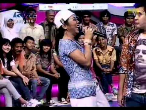 [Dahsyat Weekend] Jogja Hiphop Foundation & Showimah – Ora Cucul Ora Ngebul. 28/05/2011