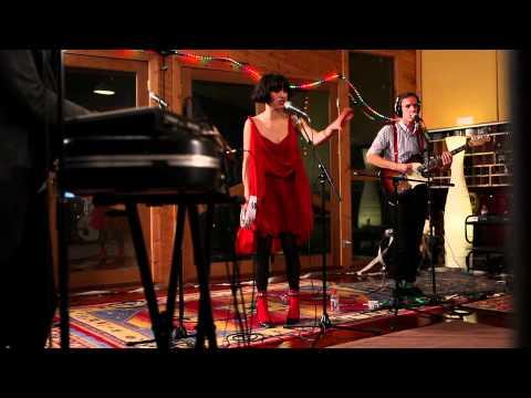 "Kimbra – ""Good Intent"" (Live at Sing Sing Studios)"