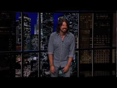 Watch Dave Grohl's pre-show warmup routine on Chelsea Lately