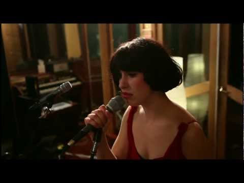 "Kimbra – ""Settle Down"" (Live at Sing Sing Studios)"