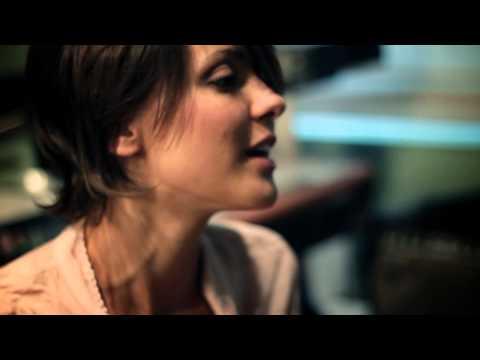 Simona Molinari feat Peter Cincotti – In cerca di te (videoclip)
