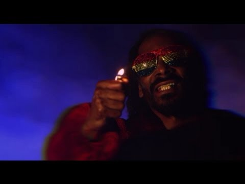 Snoop Lion – Lighters Up ft. Mavado, Popcaan